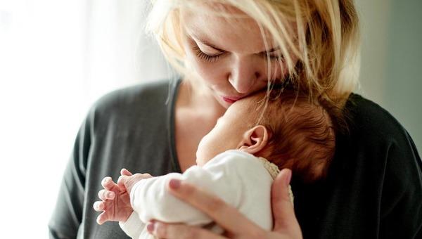 Новые условия выплат пособия по материнству введены правительством