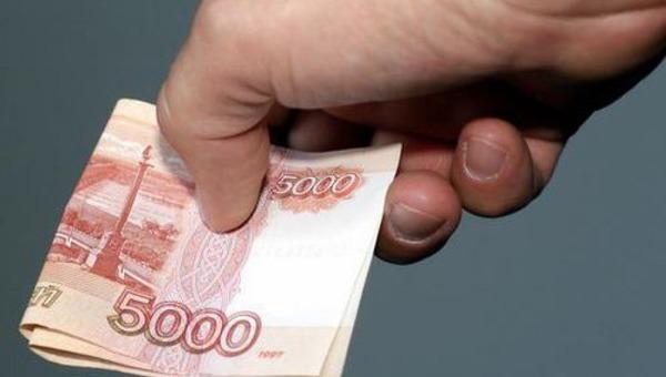 Кому предложена выплата 10 тысяч рублей к Новому Году?