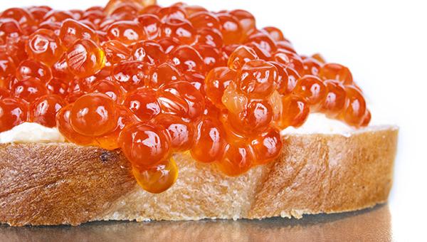 Правильный бутерброд с красной икрой: отступаем от традиций