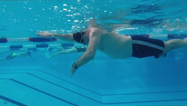Пожилой пловец утонул в бассейне Чехова