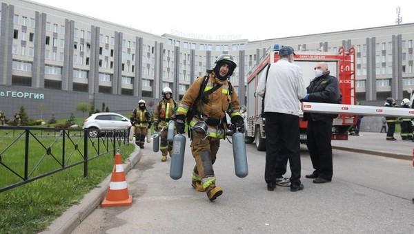 Пять человек, находившихся в реанимации с коронавирусом, погибли в пожаре