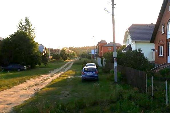 В Подмосковье сельских жителей стали наказывать за парковку... у собственных домов