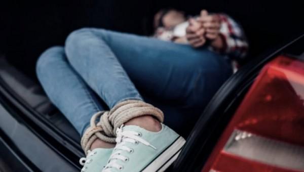 В Подмосковье мужчина похитил 16-летнюю девушку с остановки