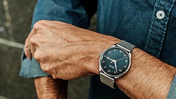 Преимущества реплик брендовых часов