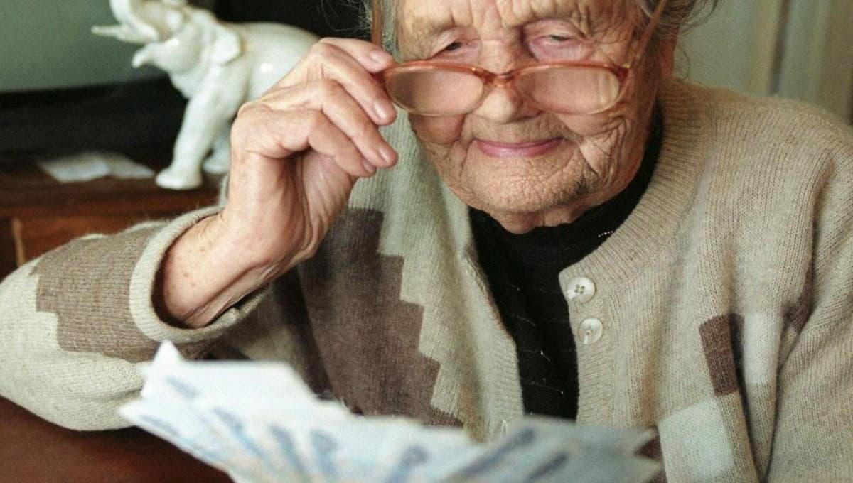 В сентябре части пенсионеров проиндексируют пенсии