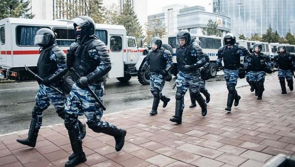Российские силовики позавидовали белорусским коллегам