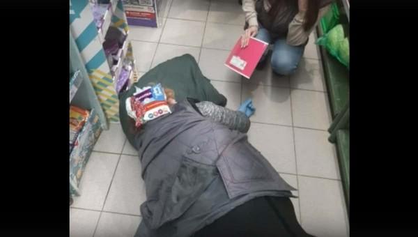 В Подмосковье вор отправил в нокаут сотрудницу супермаркета