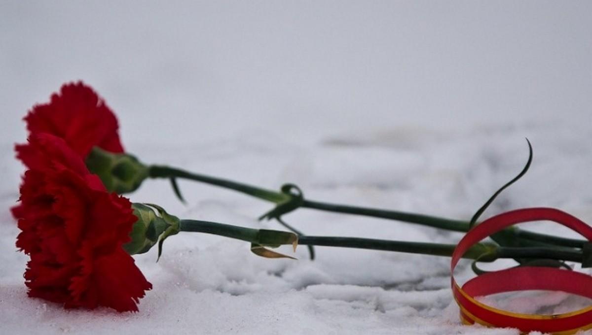 В российском городе мужчина упал с 17 этажа на коляску с младенцем