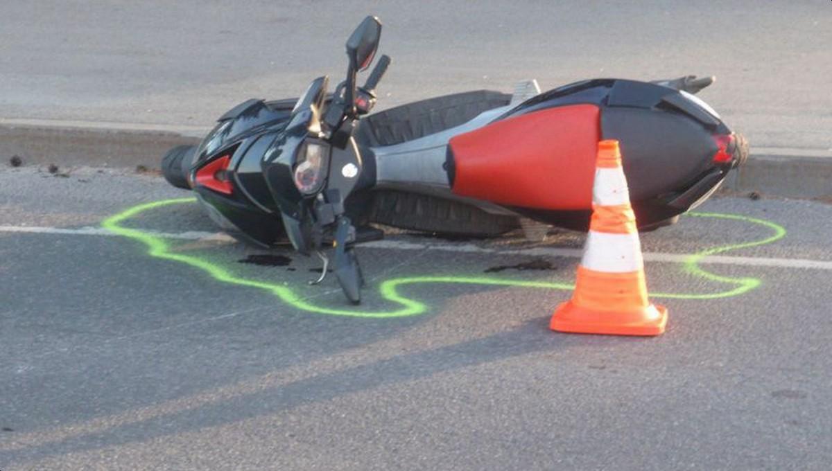 Под Тарусой двое подростков угодили в ДТП на скутере