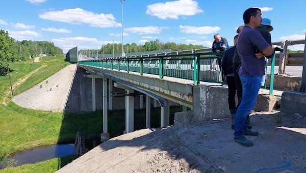 Жители деревни под Серпуховом жалуются на грязь с трассы «Крым»