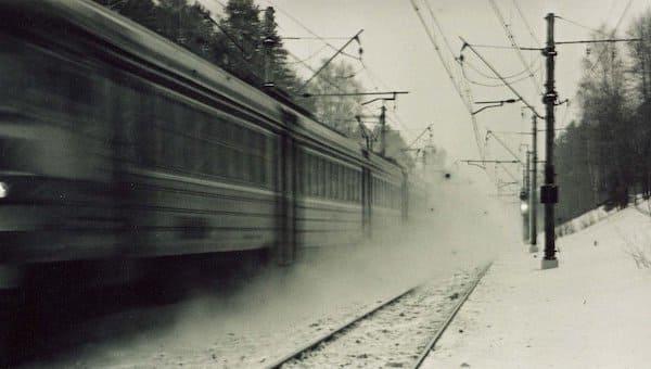 На окраине Серпухова поезд насмерть сбил женщину