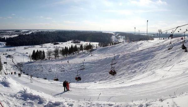 В Подмосковье ребенок упал с лыжного подъемника