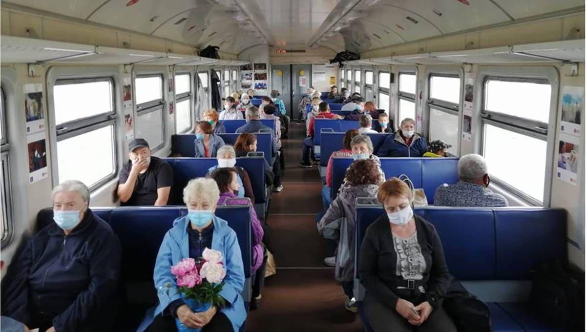 В электричках усилили контроль за ношением масок