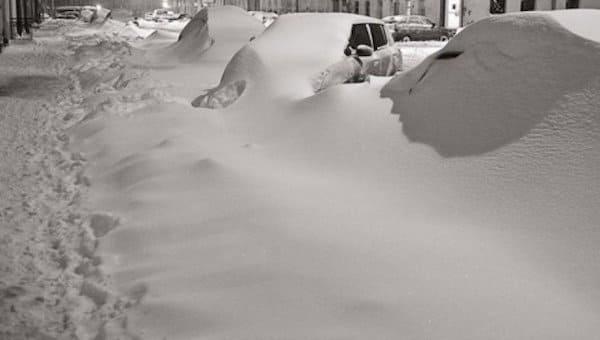 В пригородах Серпухова снег убирать еще даже не начинали