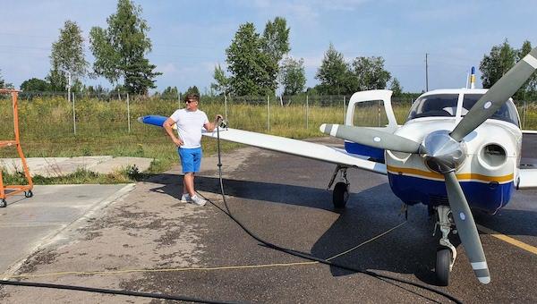 Под Серпуховом открыли круглосуточную АЗС для... самолетов