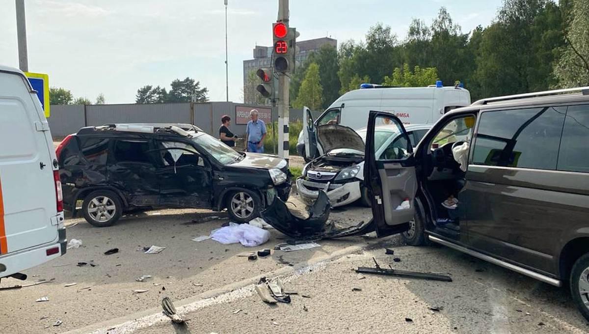 Пятеро детей и четверо взрослых пострадали в ДТП под Обнинском