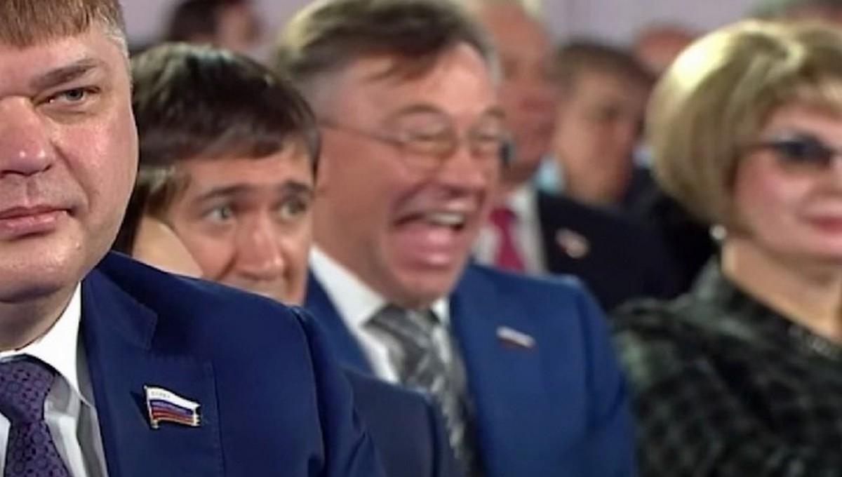 Почему депутат смеялся на Послании  президента?
