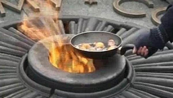 В Подмосковье женщина пожарила яичницу на Вечном огне