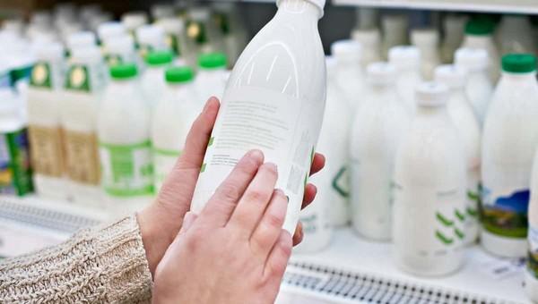 В Госдуме придумали способ борьбы с фальсифицированной и контрафактной молочкой