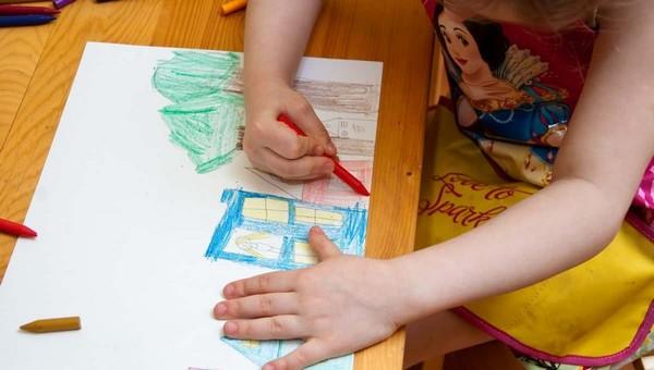 4-летней малышке проткнули ногу карандашом в детском саду