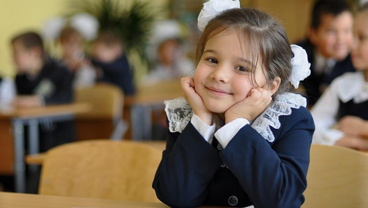 С 1 апреля началось зачисление первоклассников в школы