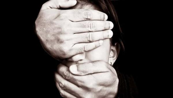 В Подмосковье отец год насиловал 13-летнюю дочь