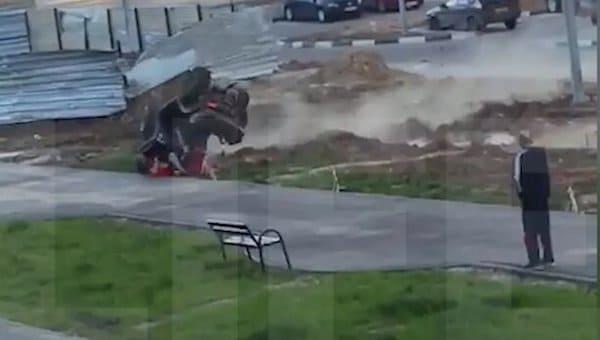 Рухнувший с высоты квадроцикл раздавил человека в Подмосковье