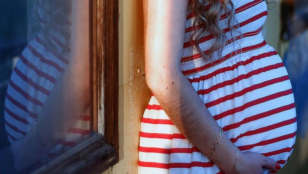 В Москве 12-летняя девочка, пожаловавшаяся на боли в животе, оказалась беременна