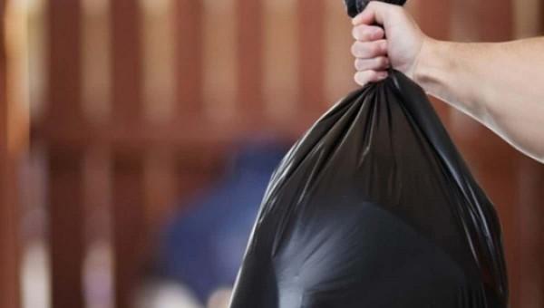 Женщина пошла выбросить мусор и спасла соседа от гибели