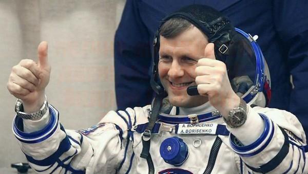 Российским космонавтам поменяли зарплаты