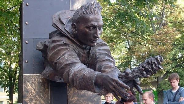 В России создали энциклопедию самых необычных памятников
