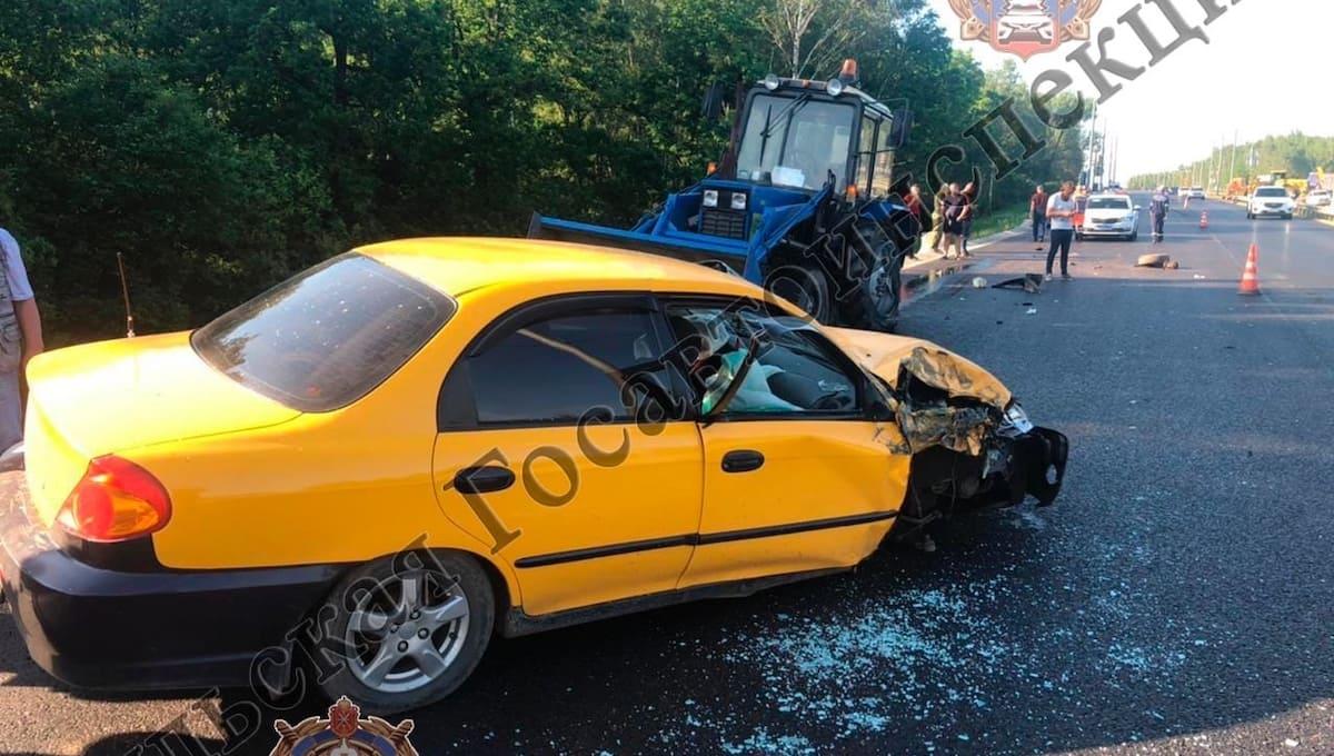 Три человека пострадали в ДТП на трассе М2