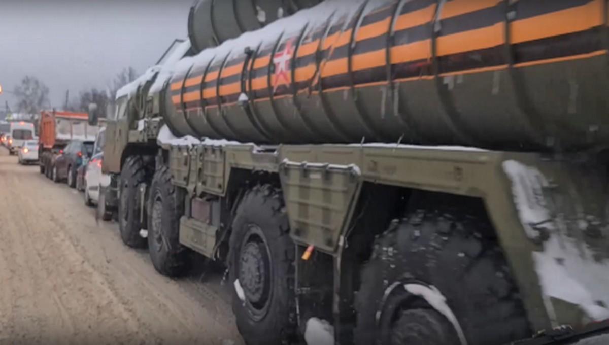 В Подмосковье произошло массовое ДТП с комплексами С-400