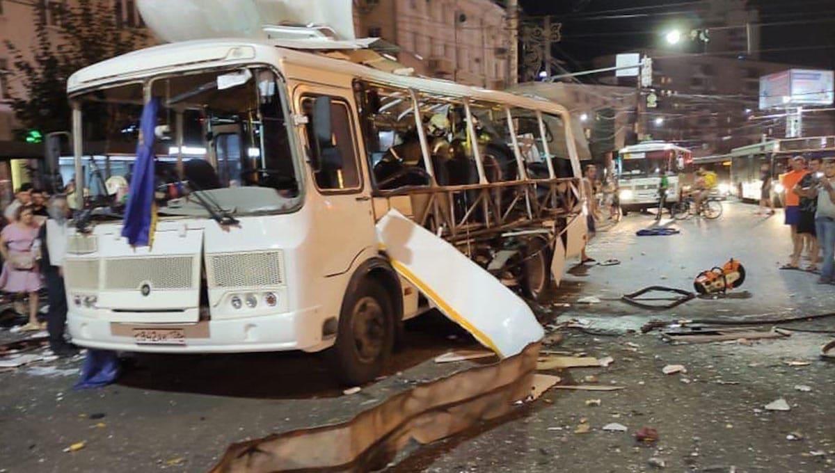 Момент взрыва автобуса в Воронеже попал на видео