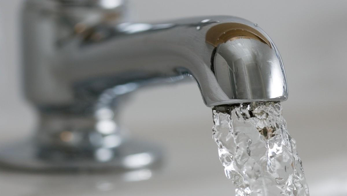 Жительнице Подмосковья насчитали нереально огромный расход воды за месяц