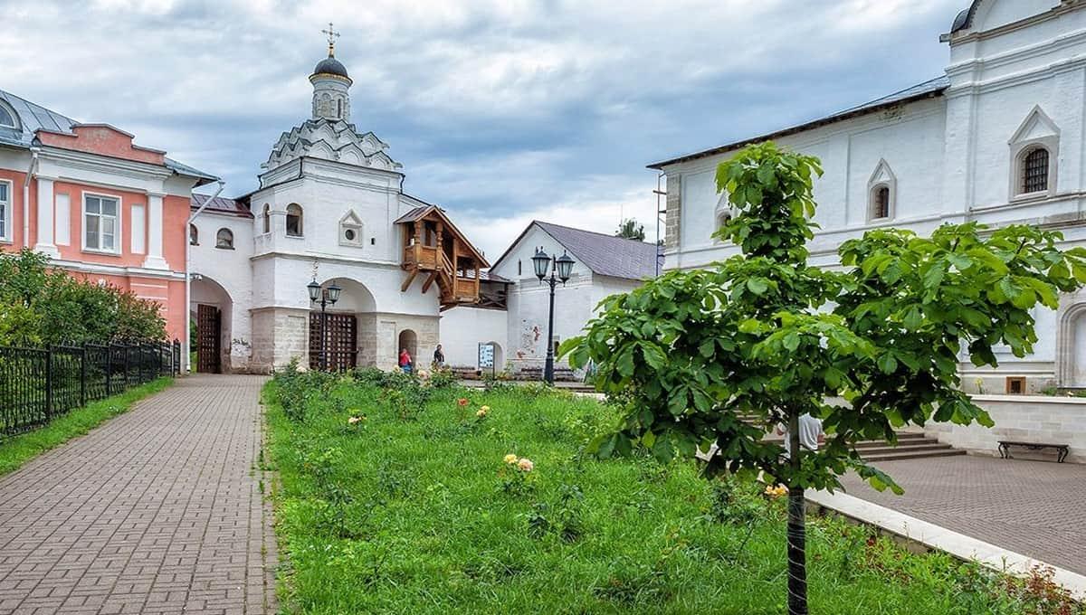 Монахини в Серпухове воссоздали кусочек Рая