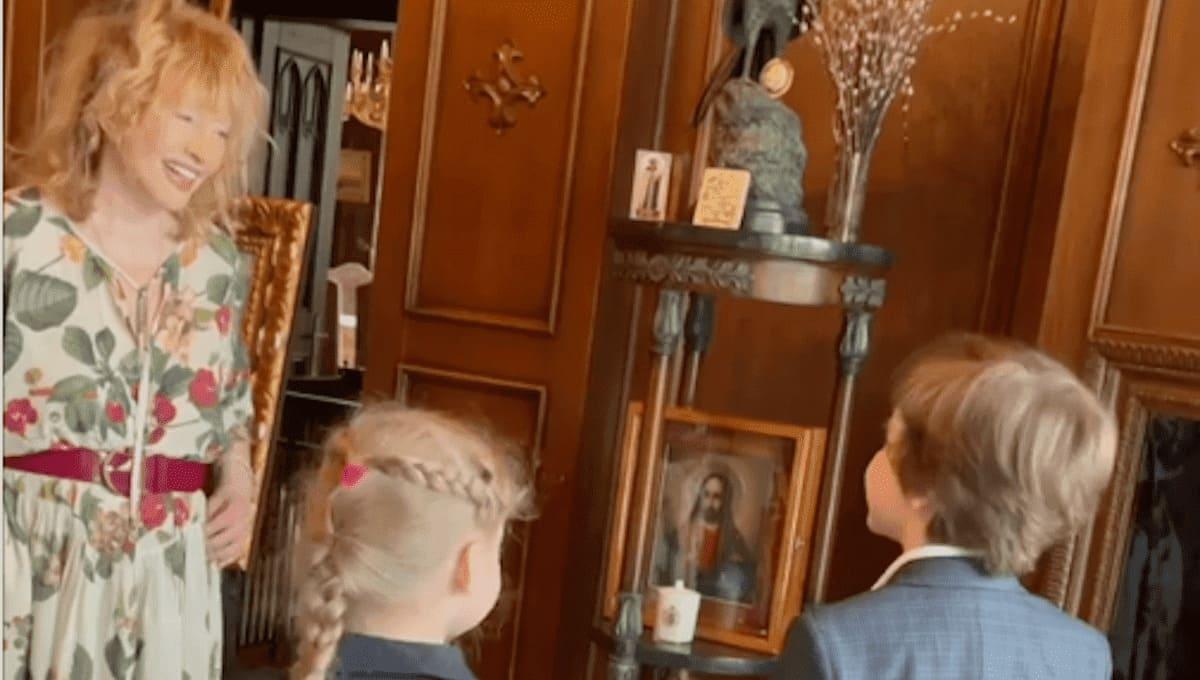 Дети и муж трогательно поздравили Аллу Пугачеву с днем рождения