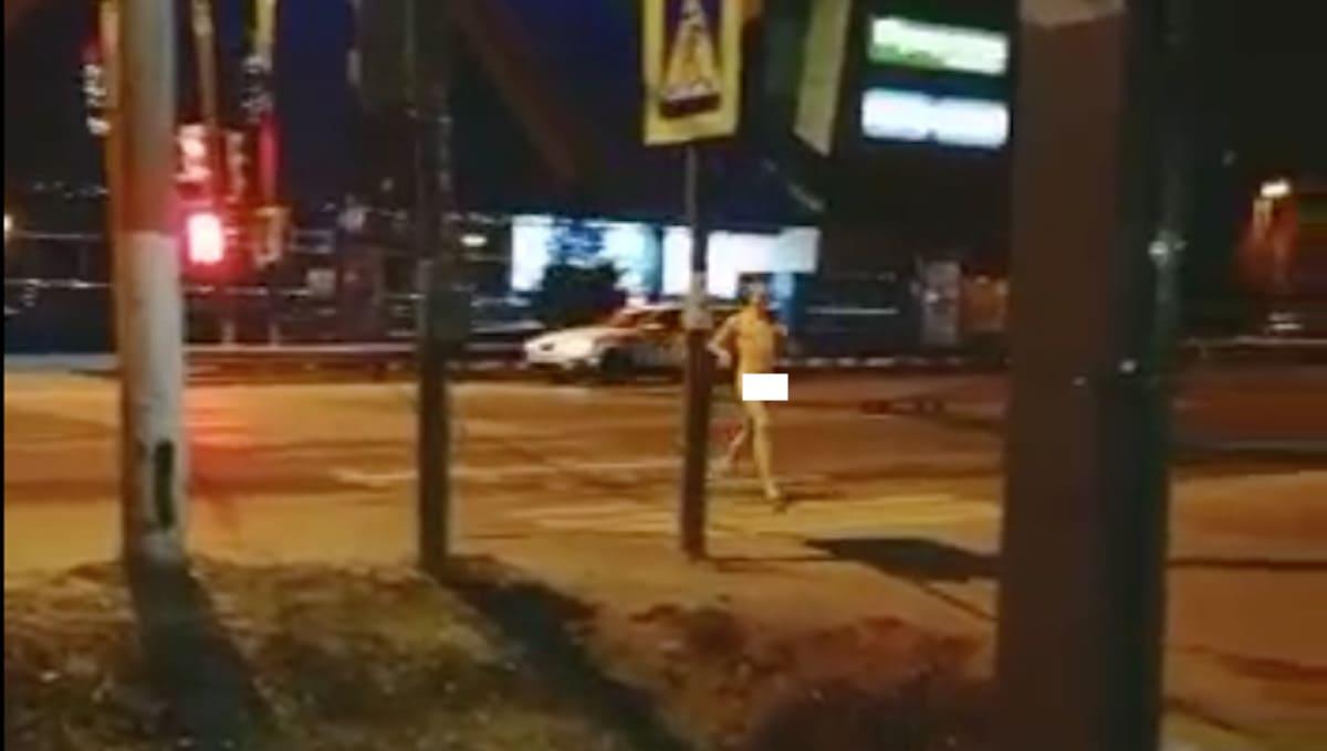 Мужчина устроил голый забег в центре Чехова
