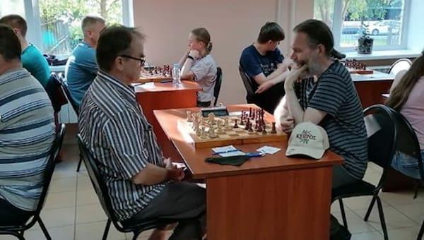 Серпуховские шахматисты забили на масочный режим