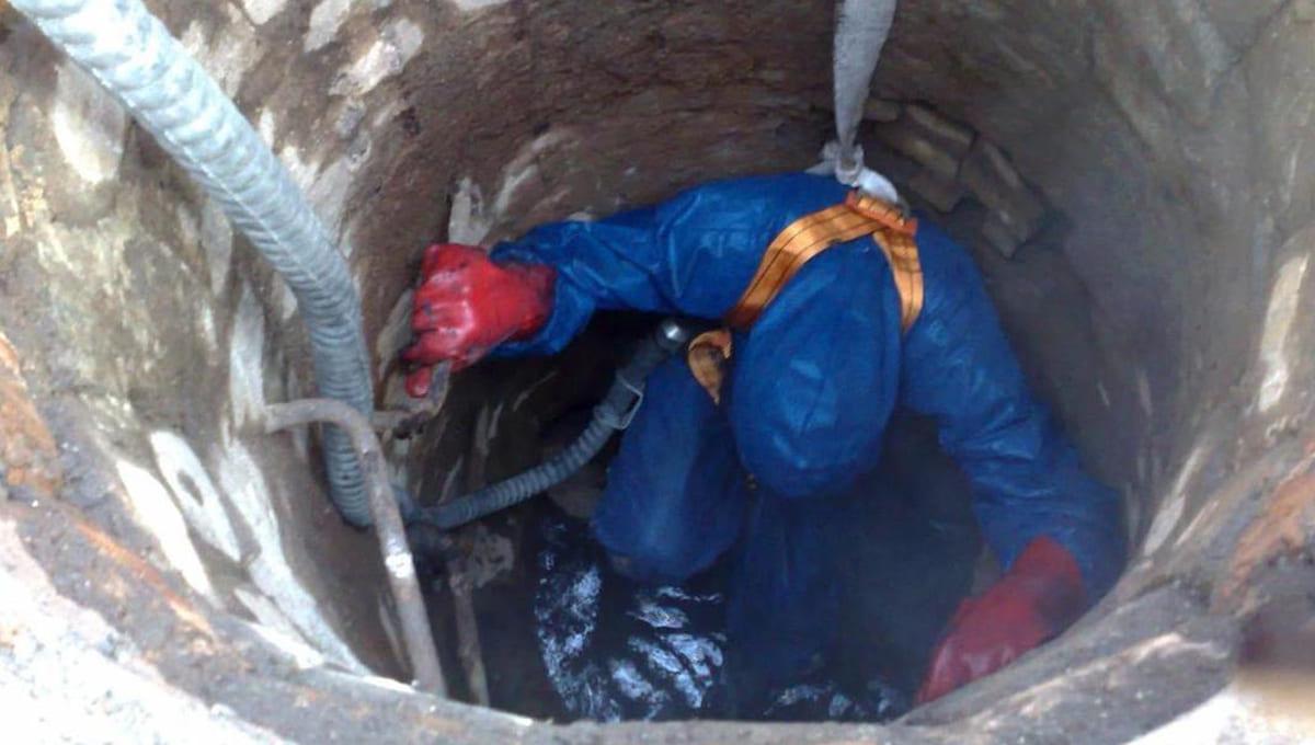 Десять рабочих погибли, отравившись в канализационном коллекторе