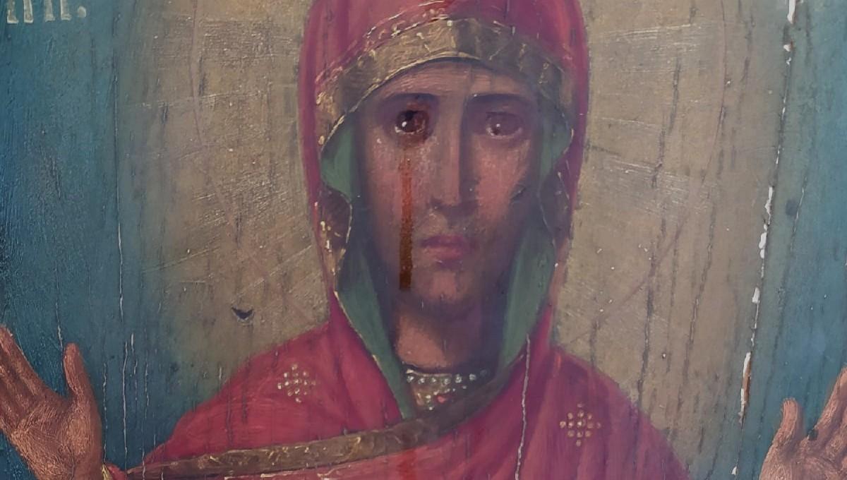 В российском селе икона плачет с начала пандемии