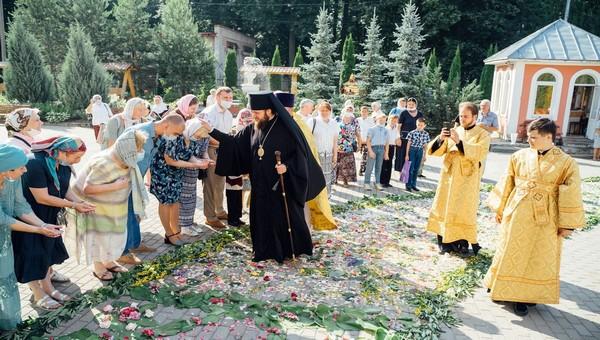 Архиепископ Аксий совершил в Серпухове обряд