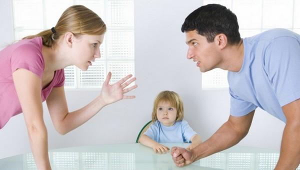 Что произойдет, если и мать, и отец школьника подадут заявление  на 10 тысяч?