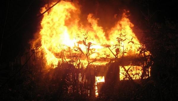 Женщина в Подмосковье хотела сжечь иномарку супруга, но все закончилось трагедией