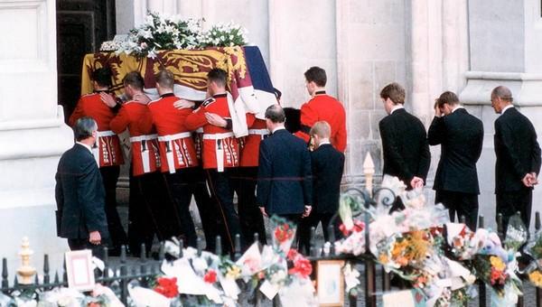 Супруга королевы Великобритании похоронят в очень необычном гробу