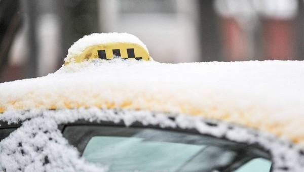 Цены на такси из-за снегопада взлетели до небес
