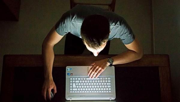 Студент из Подмосковья развращал маленьких девочек через интернет