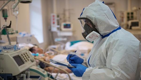 «Только у 30% людей мы видим, что снижается тяжесть»: как протекает повторное заражение коронавирусом