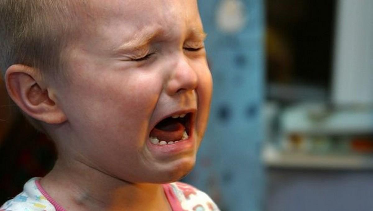 Няня из Серпухова, промокнувшая майкой ребенка унитаз, получила нагоняй
