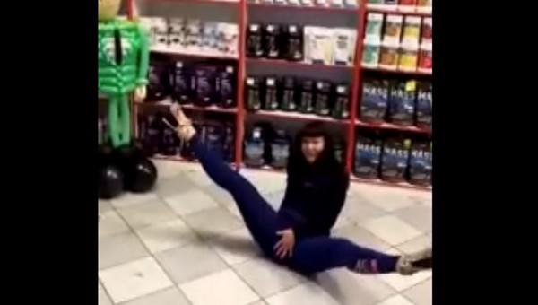 Главный бухгалтер прославилась благодаря эротичному танцу на работе